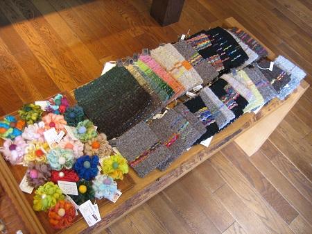 手紡ぎ手織りのコースターとお洋服_b0100229_13394261.jpg