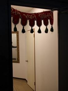 ジャイナ教寺院見学とヴェジハーブサーガのジャイナ菜食_c0030645_1822281.jpg