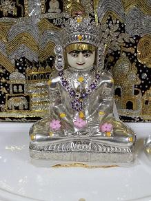 ジャイナ教寺院見学とヴェジハーブサーガのジャイナ菜食_c0030645_18531158.jpg