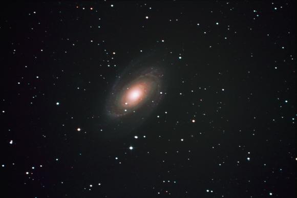 ボーデの銀河M81・・_b0100253_1621286.jpg