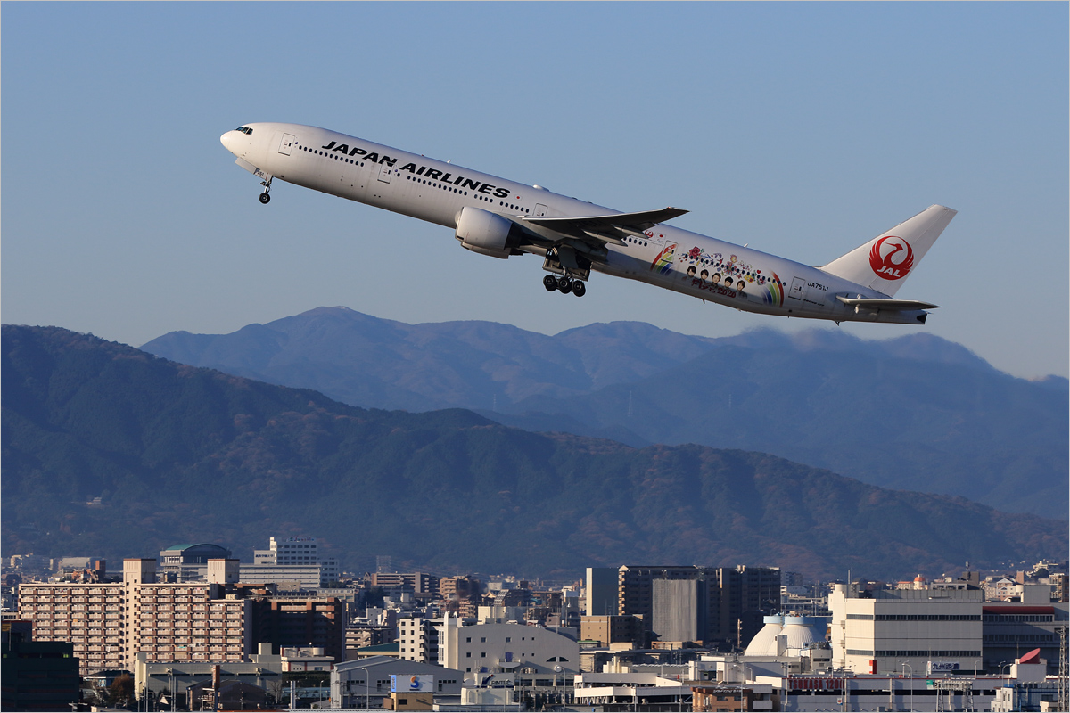 FLY to 2020 - 福岡空港_c0308259_23181743.jpg