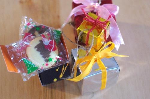 クリスマスツリーにお菓子を飾る_c0110869_15363181.jpg
