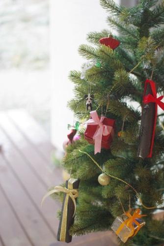 クリスマスツリーにお菓子を飾る_c0110869_15364818.jpg
