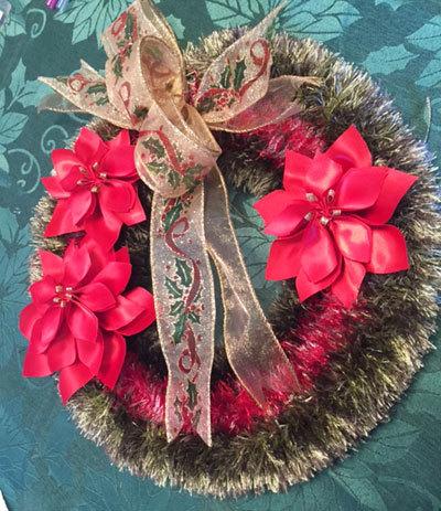 先週と今週のリボンレイのレッスン クリスマスの作品_c0196240_03300982.jpg