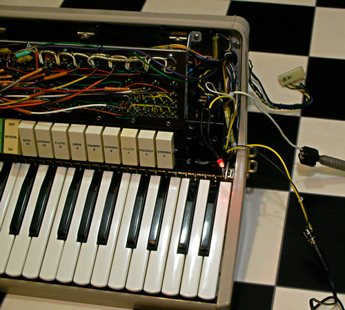 Farfisa Transicord Customized_e0045459_1191290.jpg