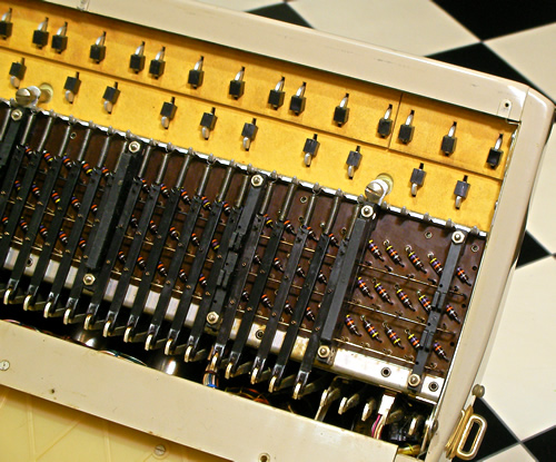 Farfisa Transicord Customized_e0045459_126945.jpg