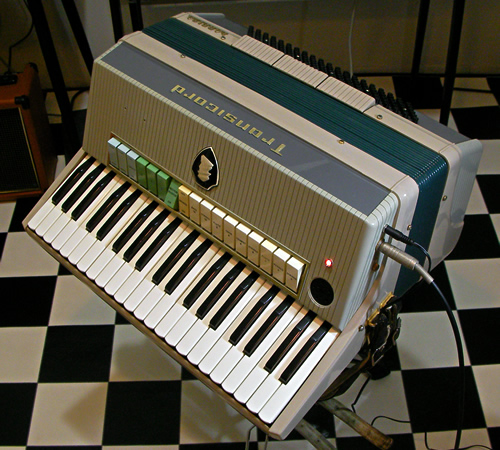Farfisa Transicord Customized_e0045459_1312666.jpg