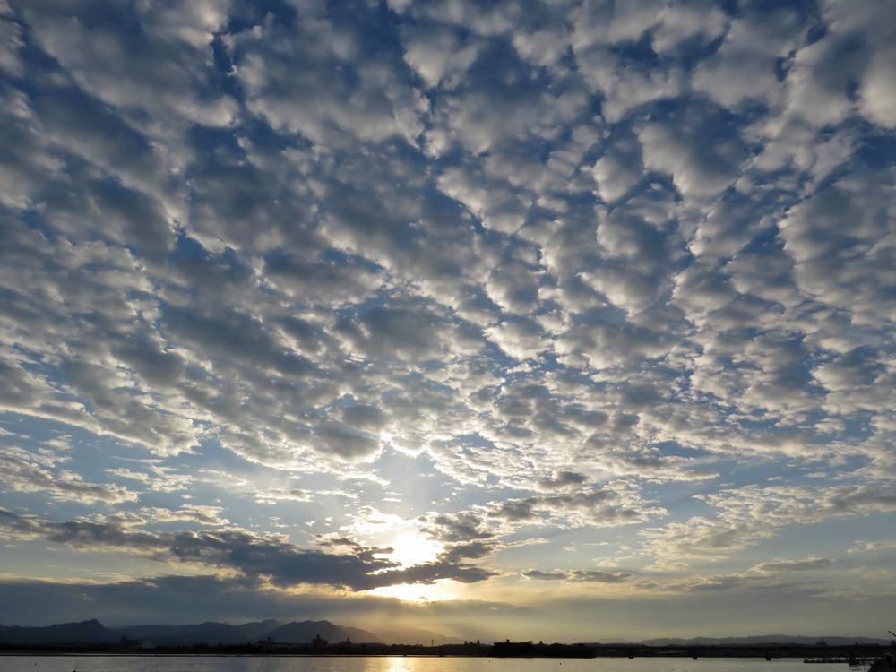 空をながめる日 (*^_^*)_c0049299_22401144.jpg