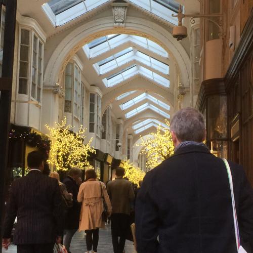 スッカリ、ロンドンはクリスマスモードです_e0151619_09510656.jpg