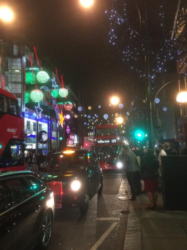 スッカリ、ロンドンはクリスマスモードです_e0151619_09510679.jpg