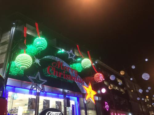 スッカリ、ロンドンはクリスマスモードです_e0151619_09510798.jpg