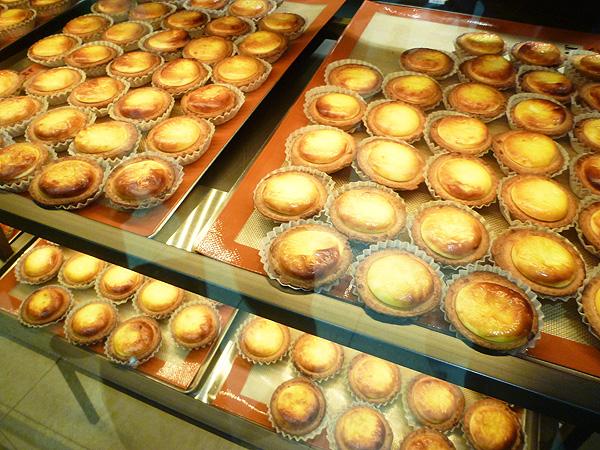 BAKE CHEESE TART(ベイク チーズタルト) 池袋店_c0152767_22111848.jpg