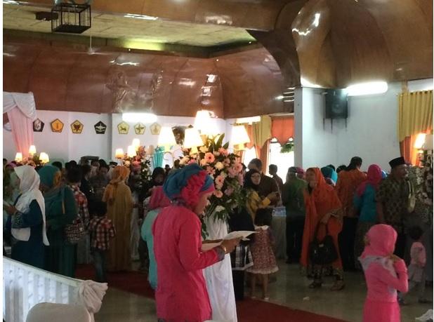 インドネシアの結婚式①_f0270296_1311971.jpg