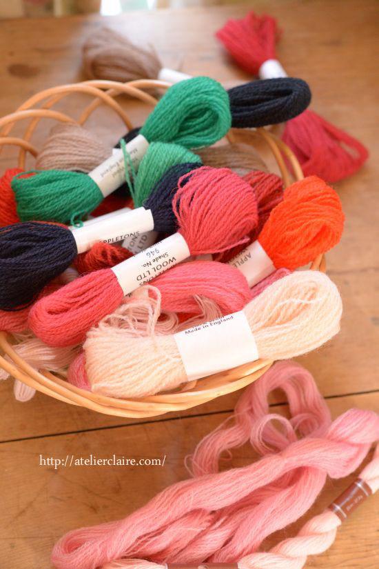 白糸の次は年末に向けて色糸刺繍を楽しんでいます_a0157409_11075182.jpg