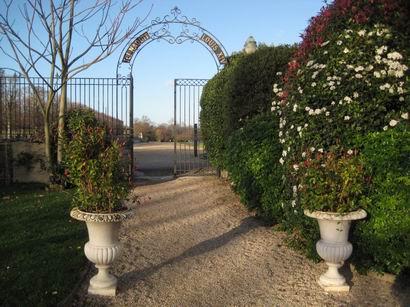 「サン・ジェルマン・アン・レー」 ドビュッシーの生家を訪ねて・・・_a0280569_2332369.jpg