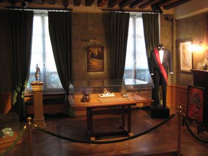 「サン・ジェルマン・アン・レー」 ドビュッシーの生家を訪ねて・・・_a0280569_2373160.jpg