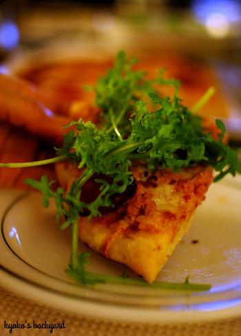肉肉しい自家製ピザ_b0253205_02092886.jpg