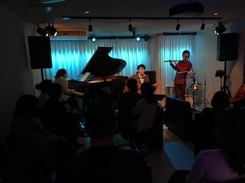 Jazzlive comin 本日23日のライブ☆_b0115606_11392273.jpeg