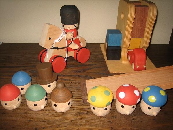 クリスマスに木のおもちゃ♪_b0100229_1217699.jpg