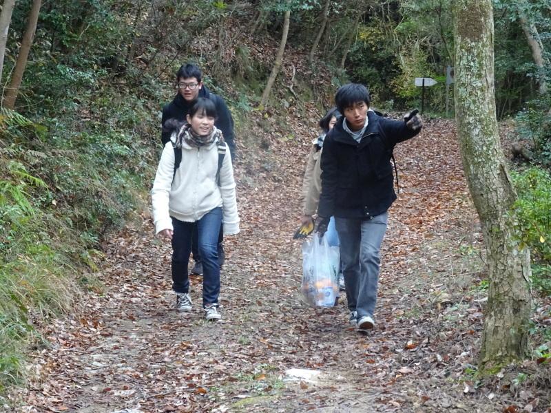 和歌山大学生「里山体験」 & 餅つき忘年会 in 孝子の森_c0108460_23191689.jpg