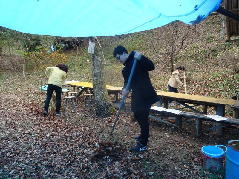 和歌山大学生「里山体験」 & 餅つき忘年会 in 孝子の森_c0108460_23243032.jpg