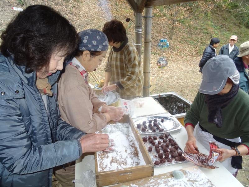 和歌山大学生「里山体験」 & 餅つき忘年会 in 孝子の森_c0108460_23463490.jpg
