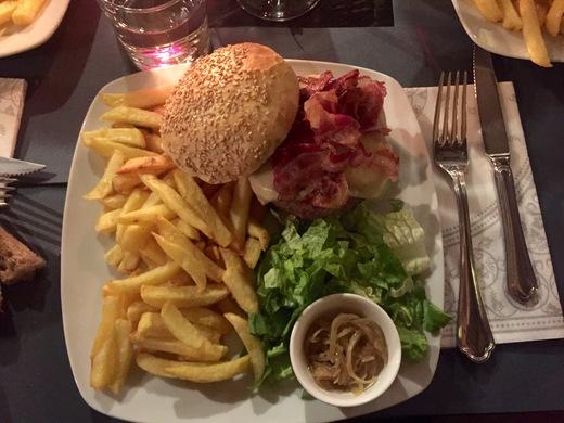 キアニーナ牛のハンバーガーを食べてみよう!_a0136671_0251581.jpg