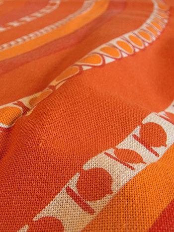 vintage tablecloth_c0139773_17195229.jpg