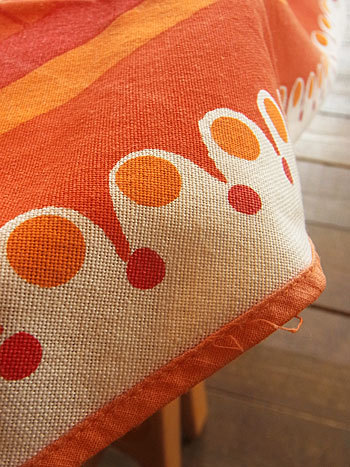 vintage tablecloth_c0139773_17200009.jpg