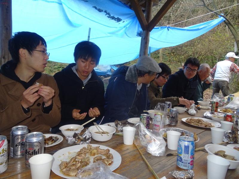 和歌山大学生「里山体験」 & 餅つき忘年会 in 孝子の森_c0108460_00021932.jpg