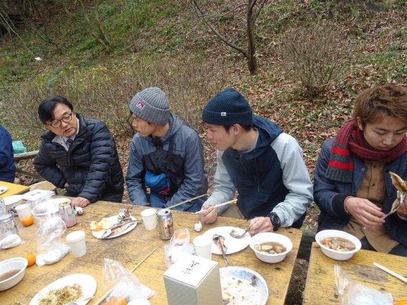 和歌山大学生「里山体験」 & 餅つき忘年会 in 孝子の森_c0108460_00022130.jpg