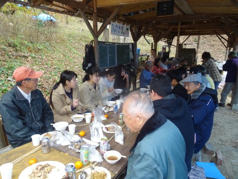 和歌山大学生「里山体験」 & 餅つき忘年会 in 孝子の森_c0108460_00022385.jpg