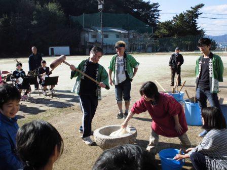 宮島学園 2015年度 餅つき・松明づくり_f0229523_15402854.jpg