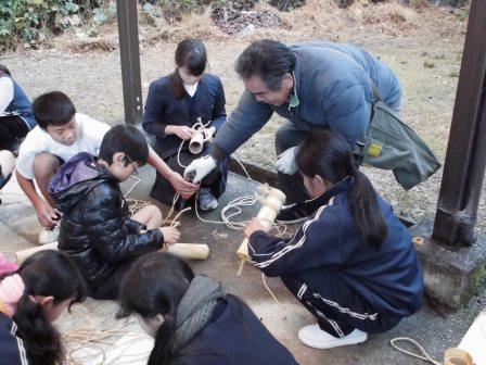 宮島学園 2015年度 餅つき・松明づくり_f0229523_15463910.jpg