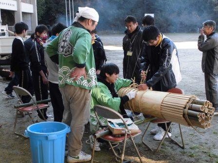 宮島学園 2015年度 餅つき・松明づくり_f0229523_15512829.jpg