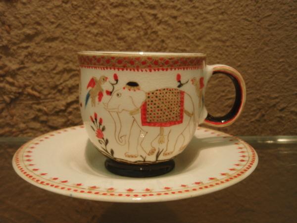 升たかさんの象のカップ&ソーサー_b0132442_14421045.jpg