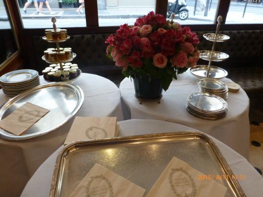 ラデュレでお茶を_d0263859_22451988.jpg