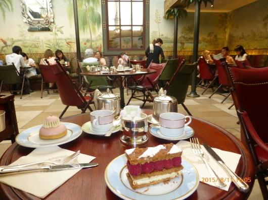 ラデュレでお茶を_d0263859_22454850.jpg