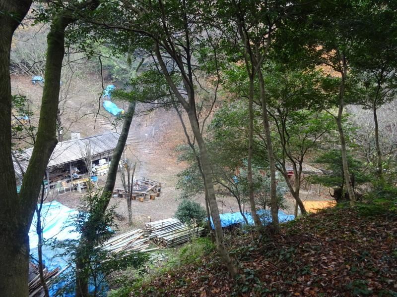 孝子駅に「みさき里山クラブ」が門松を寄贈しました _c0108460_20421435.jpg