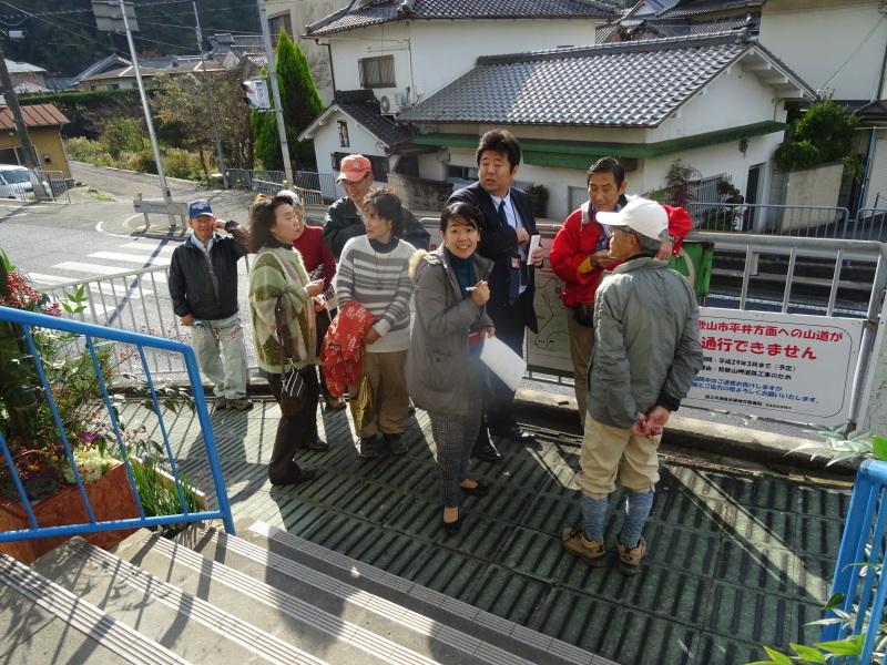 孝子駅に「みさき里山クラブ」が門松を寄贈しました _c0108460_20551304.jpg