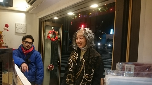 「クリスマス壊れた娘達」_a0075684_0514257.jpg
