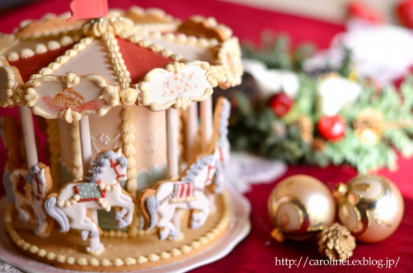 メリーゴーランドアイシングクッキーで、メリークリスマス Homemade Carousel Icing Cookies_d0025294_2022111.jpg