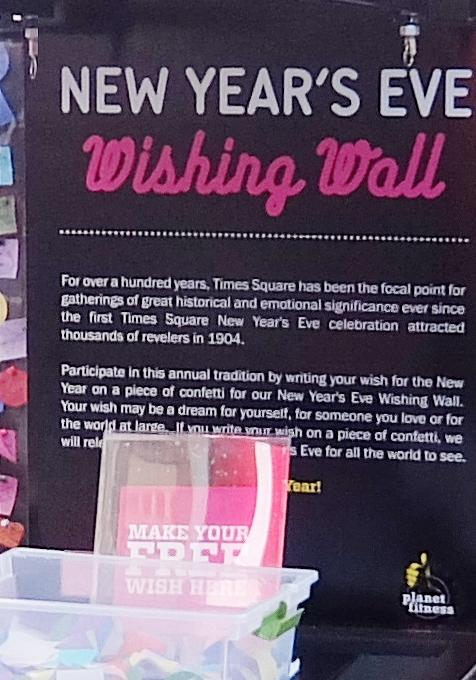 NYタイムズ・スクエアに願いの壁(Wishing Wall)登場中_b0007805_2234138.jpg