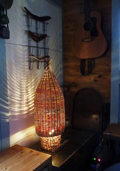 竹の漁具による照明器具を作る_d0130640_1324535.jpg
