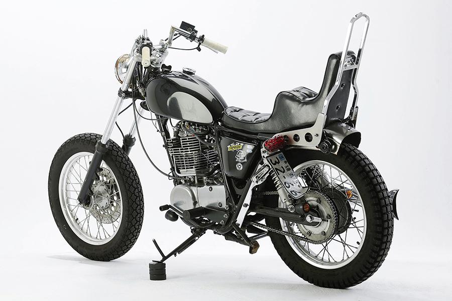 Yamaha SR400 FI Custom_e0182444_1495611.jpg