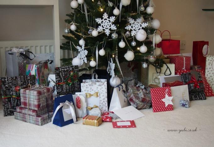 2015年の我が家のクリスマスの様子とテーブル Part 1〜♪_b0313387_09103093.jpg