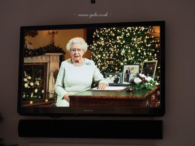 2015年の我が家のクリスマスの様子とテーブル Part 1〜♪_b0313387_09273568.jpg