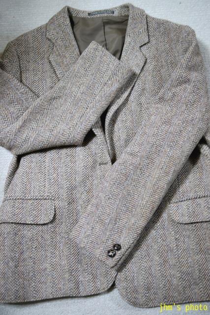 ヘリンボーンのHarris Tweedジャケットと女性_a0158797_2210185.jpg