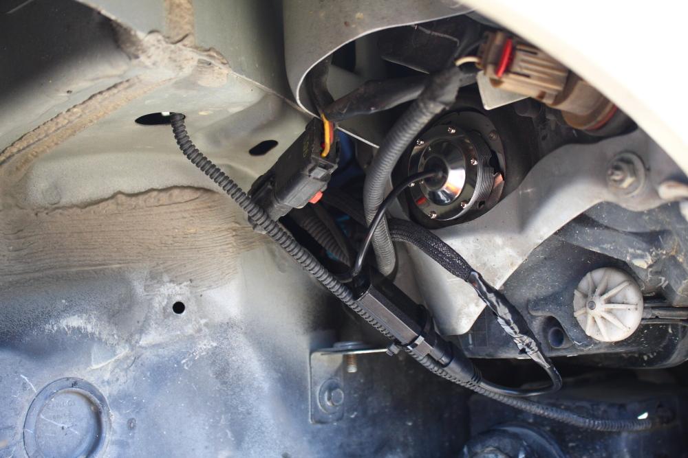 PTクルーザーへLEDヘッドライト装着_f0105425_19305969.jpg