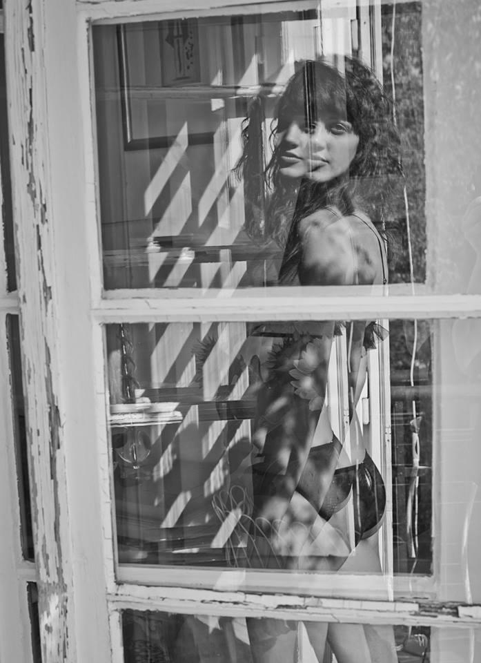 窓のむこう -Le Petit Trou_e0219353_17182318.jpg